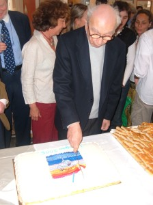 Lele taglia la torta